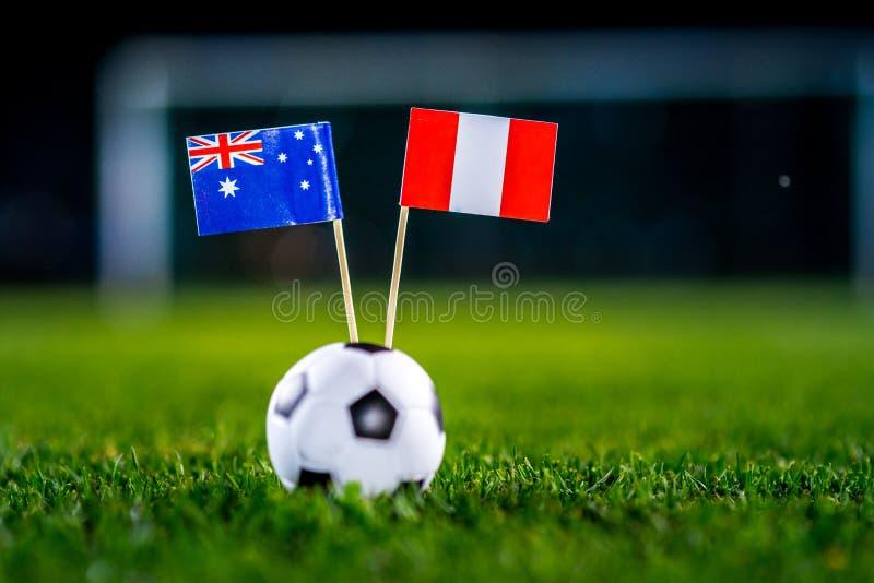 Австралия - Перу, группа c, Tuesday, 26 Футбол -го июнь, кубок мира, Россия 2018, национальные флаги на зеленой траве, белом шари стоковые фотографии rf
