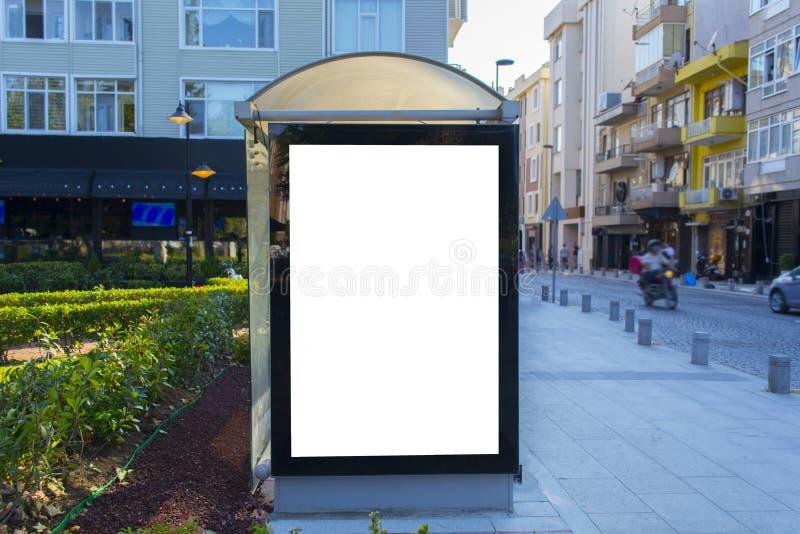 Автобусная остановка внешней рекламы стоковое фото rf