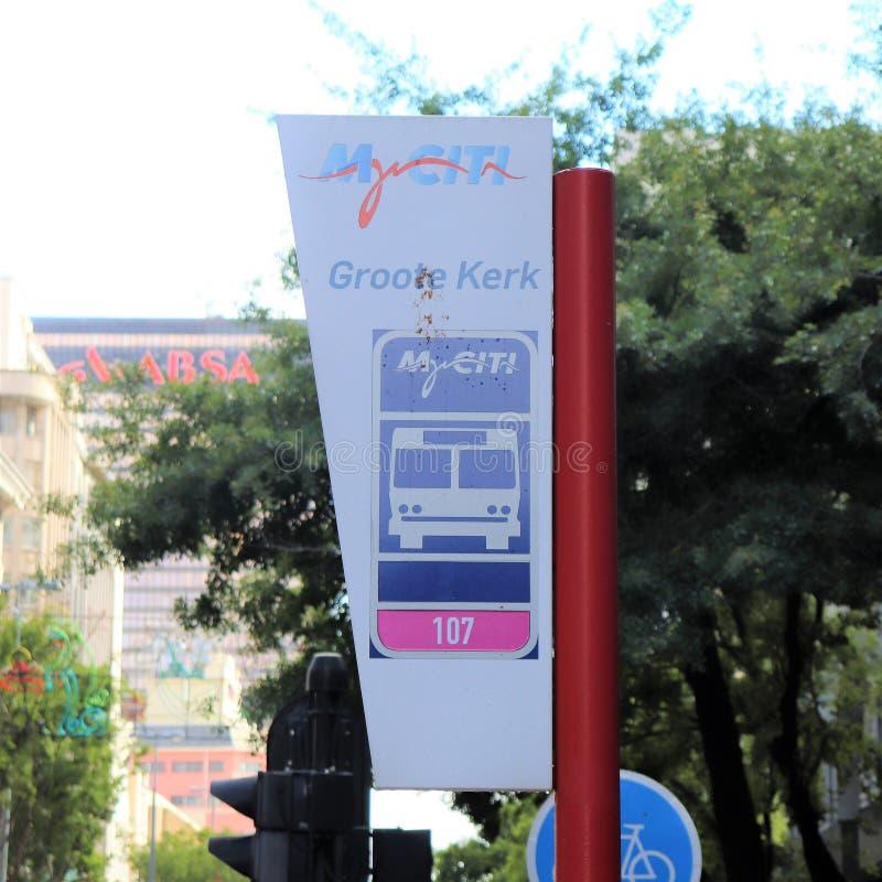 Автобусная остановка в центральном Кейптауне стоковая фотография