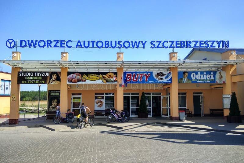 Автобусная станция в Szczebrzeszyn, Польше стоковые фотографии rf