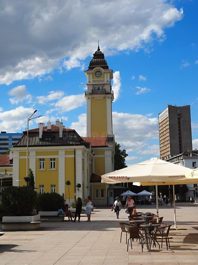 Автовокзал взгляда centrum Burgas-города с предпосылкой, Болгарией стоковые фото
