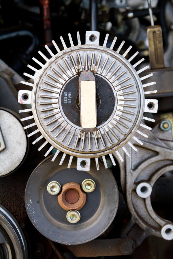 Автоматические корпусы двигателя ремонта спасения имущества стоковое изображение