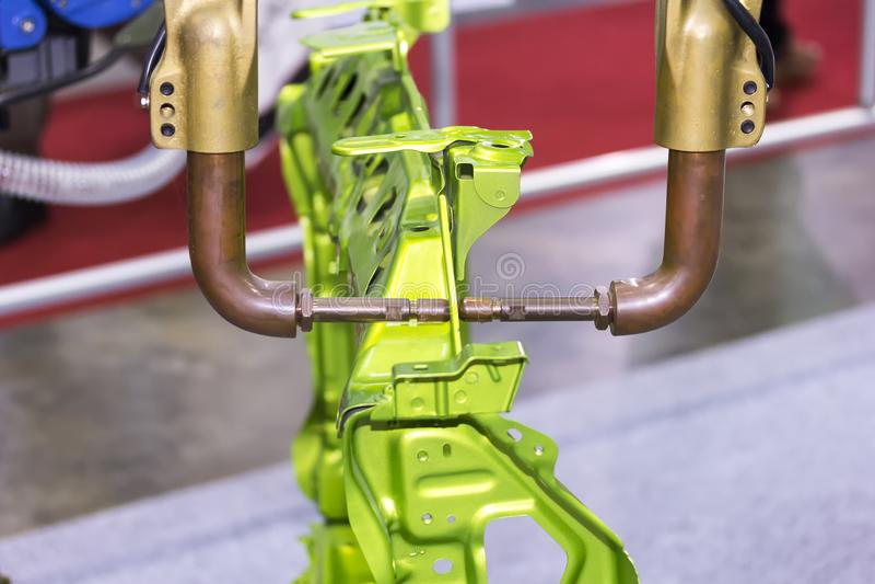Автоматический сварочный аппарат пятна сопротивления с продуктом для автомобильных промышленных работ стоковые изображения rf