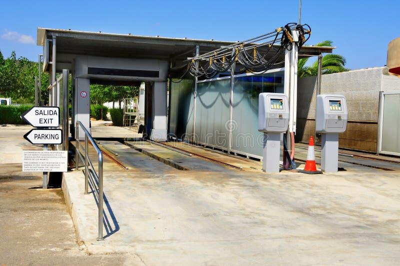 автоматическое мытье автомобиля стоковая фотография rf