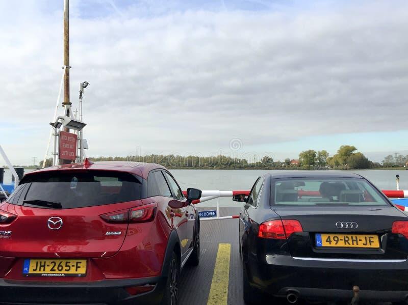 Автомобилистки голландский паром стоковые изображения rf
