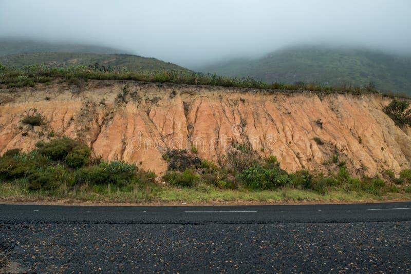 Автомобильное photograhy заднее днище дороги горы стоковые фотографии rf