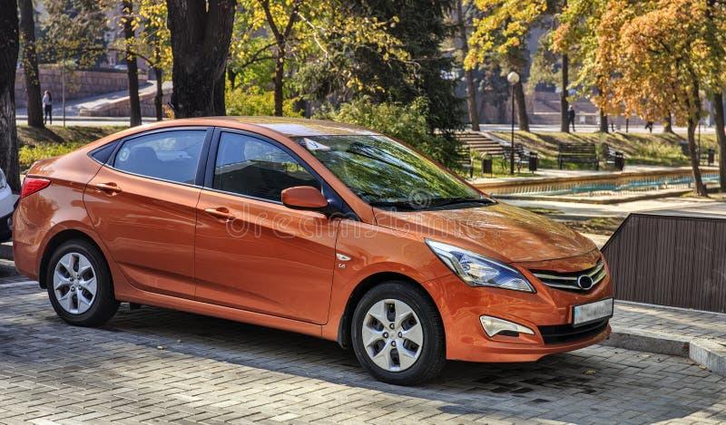Автомобиль апельсина Hyundai стоковая фотография
