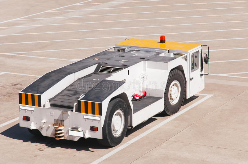 Автомобиль в авиапорте стоковые изображения rf