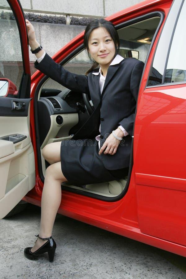 автомобиль дела ее женщины стоковые изображения rf