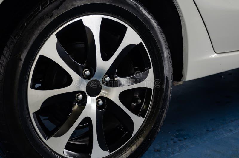 Автомобиль колеса сплава стоковые фото