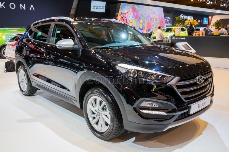 Автомобиль кроссовера SUV компакта духа Hyundai Tucson городской стоковые изображения