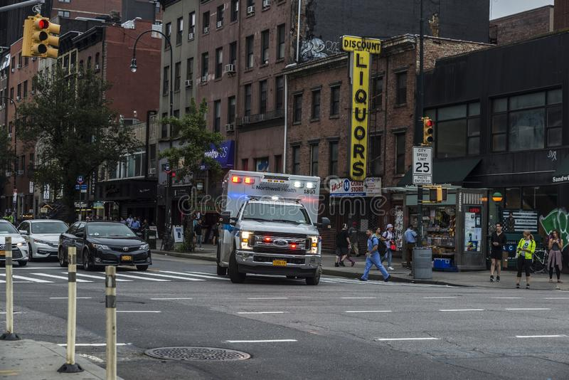 Автомобиль машины скорой помощи в Нью-Йорке, США стоковое фото rf