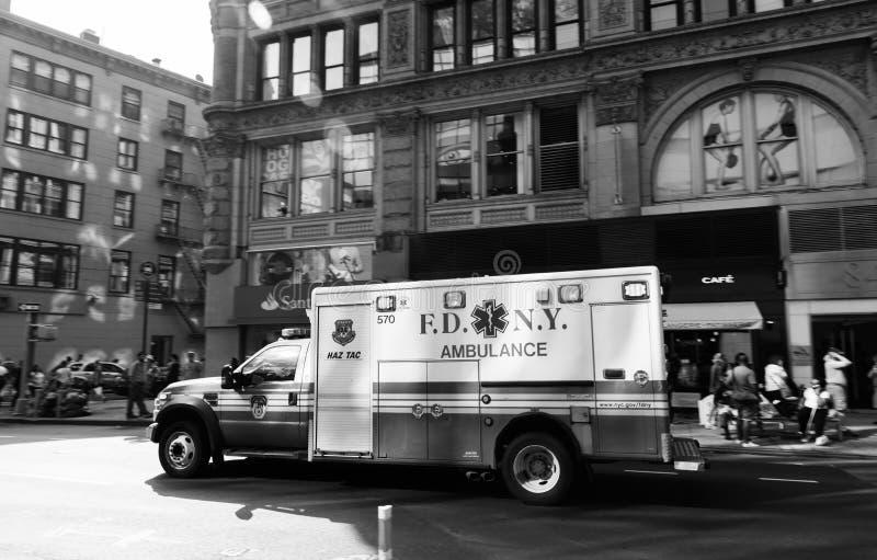 Автомобиль машины скорой помощи Нью-Йорка стоковые фотографии rf