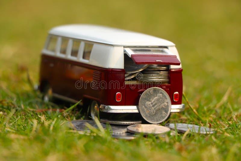 Автомобиль монетки стоковая фотография rf