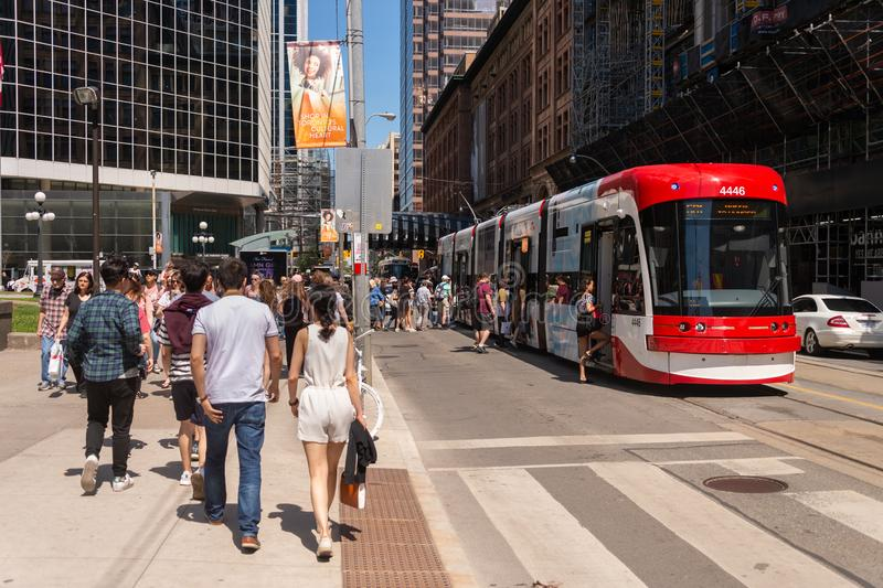 Автомобиль улицы в городском Торонто 2019 стоковые изображения