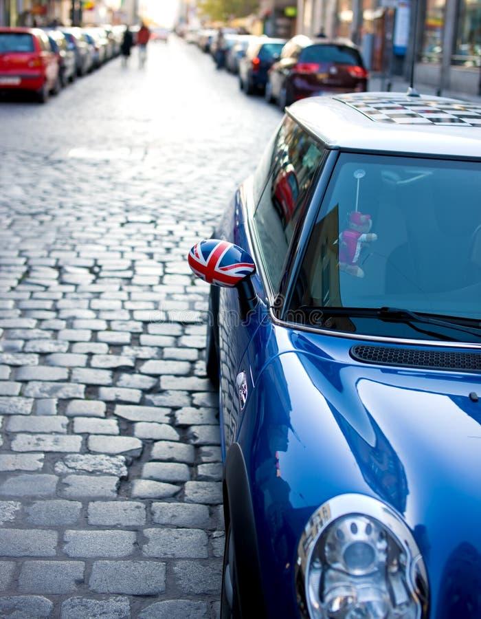 Download автомобиль стоковое изображение. изображение насчитывающей ярлык - 6855847