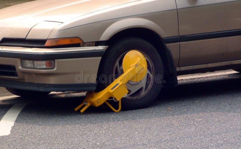 Автомобиль booted с паркуя ботинком стоковые изображения