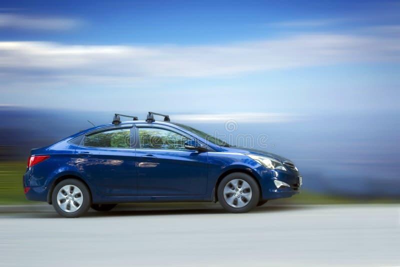 Автомобиль Hyundai голубой стоковые фотографии rf