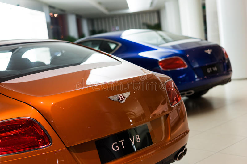 Автомобили Bentley для продажи стоковое фото rf