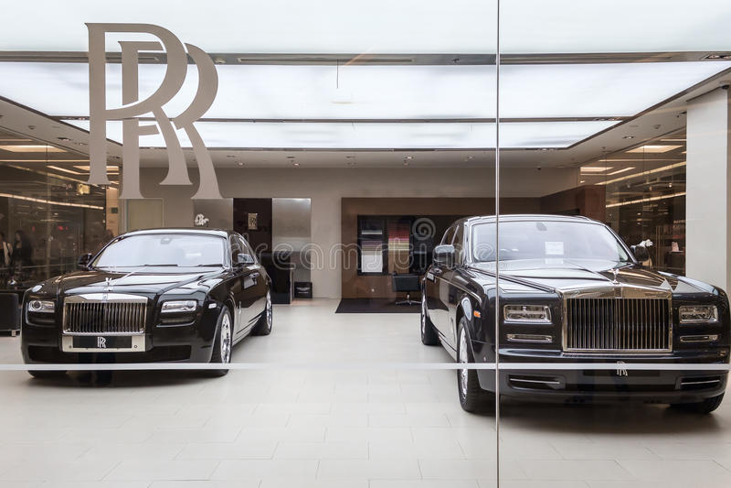 Автомобили Rolls Royce стоковые изображения