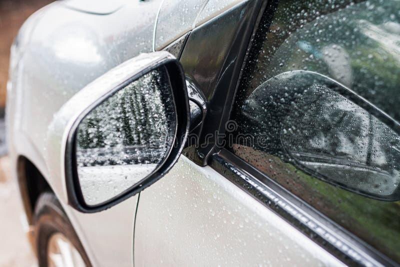 автомобиль зеркала стоковое изображение
