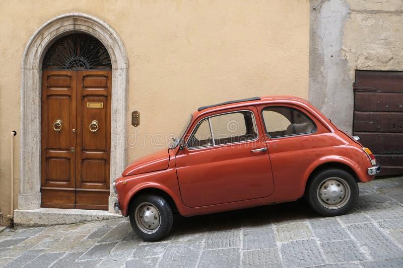 Автомобиль классики ФИАТ 500 стоковые изображения rf