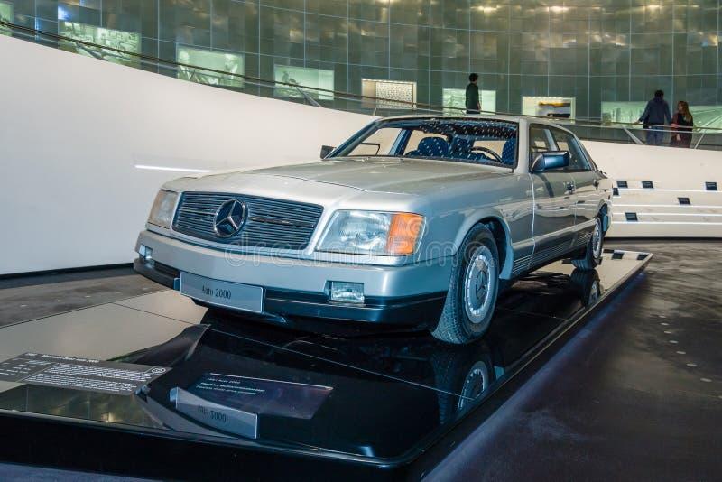 Автомобиль 2000 Мерседес-Benz автомобиля концепции, 1981 стоковые изображения rf
