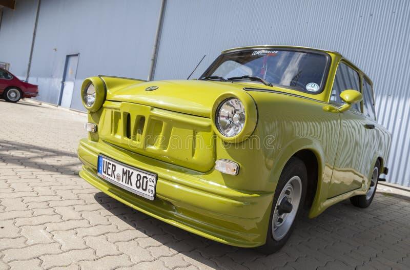 Автомобиль настроенный немцем trabant стоковое изображение