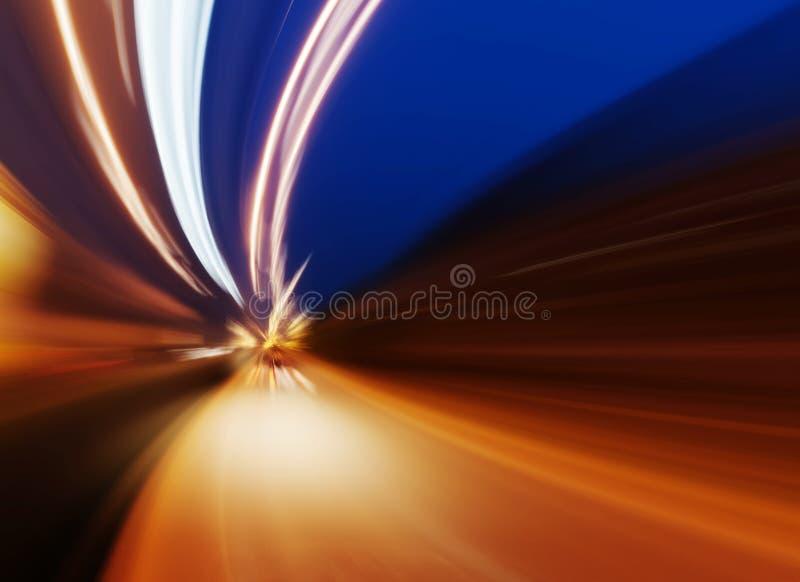 Автомобиль на дороге с предпосылкой нерезкости движения стоковая фотография rf
