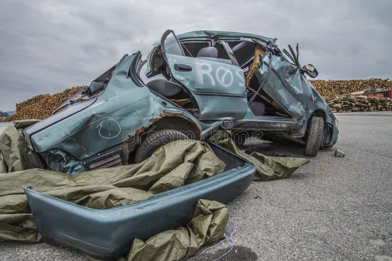 Автомобиль поврежденный столкновением стоковые фото