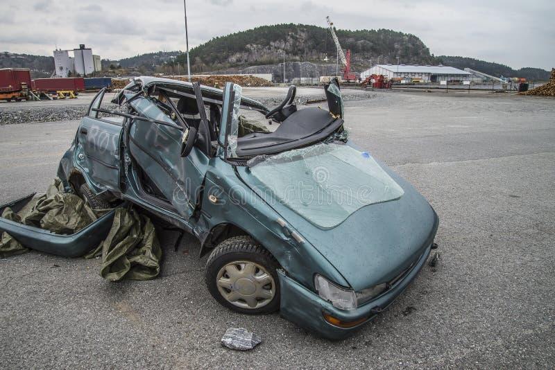 Автомобиль поврежденный столкновением стоковая фотография