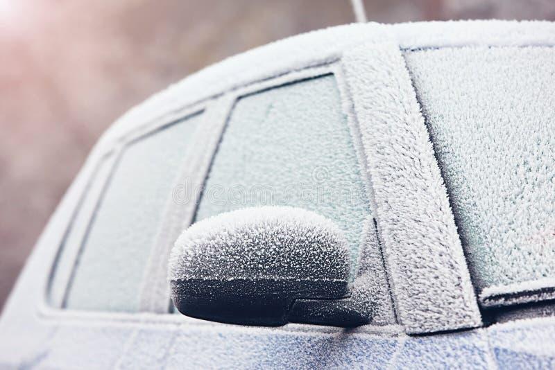 Автомобиль предусматриванный путем морозить стоковое фото rf