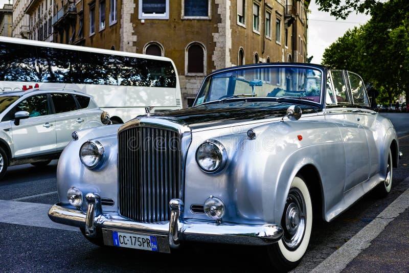 автомобиль старый стоковое изображение rf
