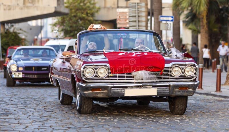 Автомобиль с откидным верхом 1964 Шевроле Bel Air стоковые изображения rf