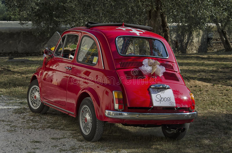 Автомобиль украшенный для свадьбы в Италии стоковые фотографии rf