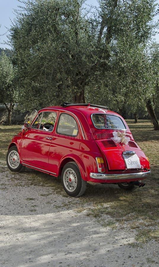 Автомобиль украшенный для свадьбы в Пизе стоковая фотография rf