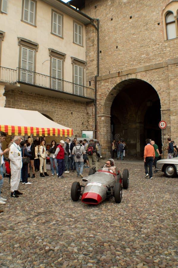 Автомобиль F2 на Бергаме историческом Grand Prix 2015 стоковые изображения rf
