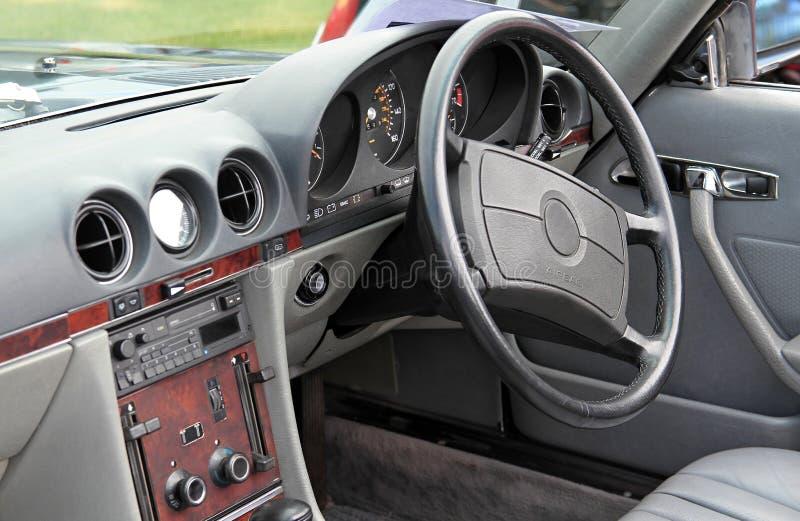 автомобиля скорость внутри помещения нутряная кожаная резвится корабль стоковое изображение rf