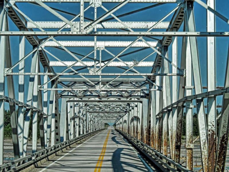 Автодорожный мост Аляски стоковая фотография