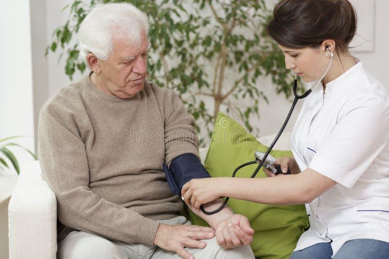 давление доктора крови измеряя стоковые изображения rf