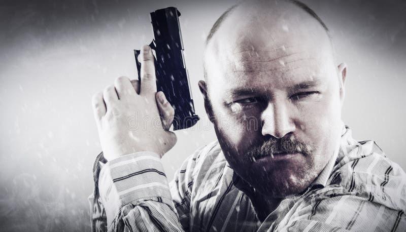 Агент в снежке и дыме стоковое фото