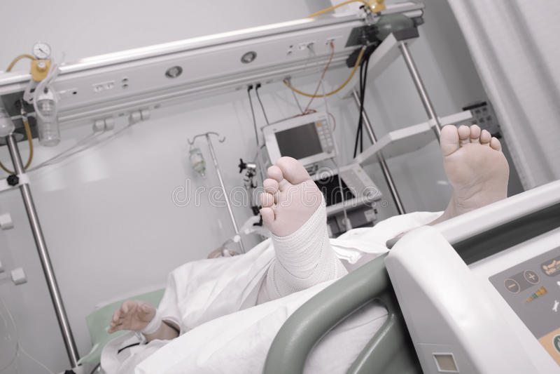 Агония умирая пациента в больнице стоковая фотография rf