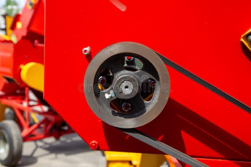 Аграрная часть машины Шкив с поясом конец вверх стоковые изображения rf