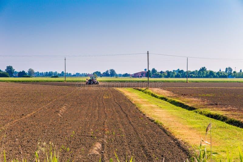 аграрный трактор стоковое фото rf