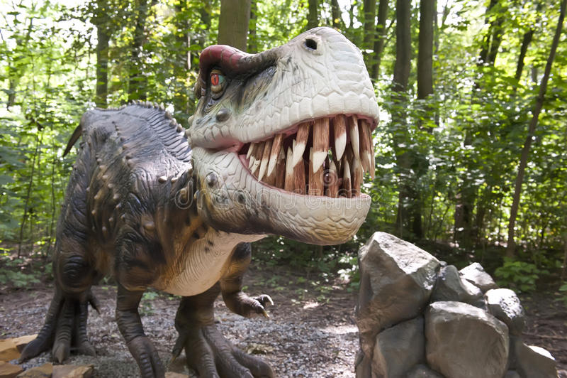 агрессивныйый динозавр стоковое изображение