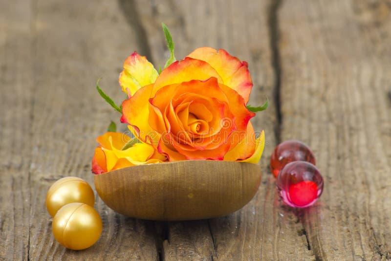 Адвокатура естественных мыла и розы стоковые фотографии rf