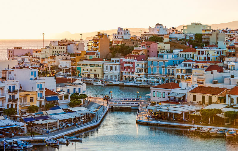 Ажио Nikolaos в раннем утре, Крит, Греция стоковая фотография rf
