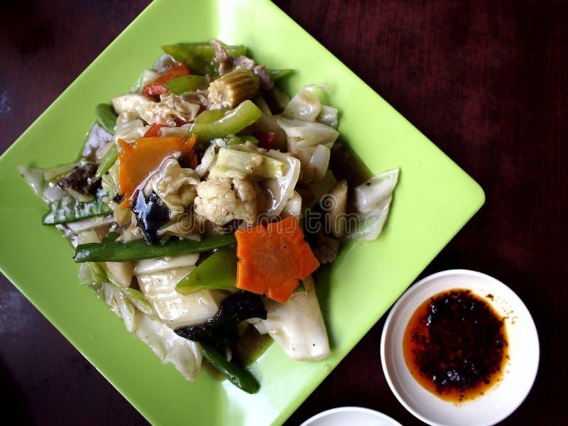 Азиатская вызванная еда отбивной котлетой Suey стоковое фото
