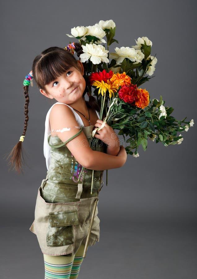Download азиатская девушка стоковое изображение. изображение насчитывающей девушка - 18397801