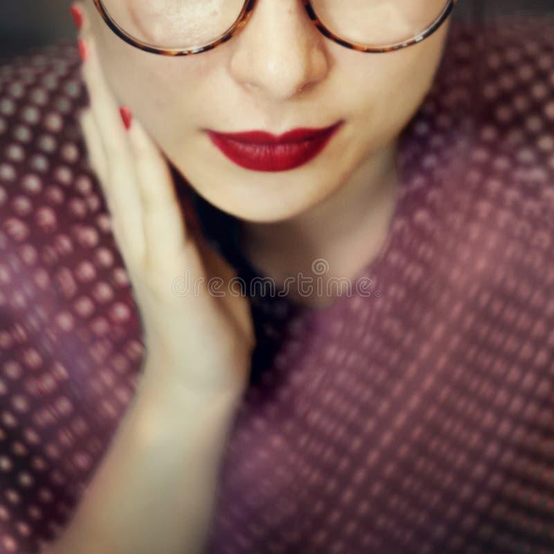 Азиатская женская ультрамодная стильная красивая концепция стоковые изображения